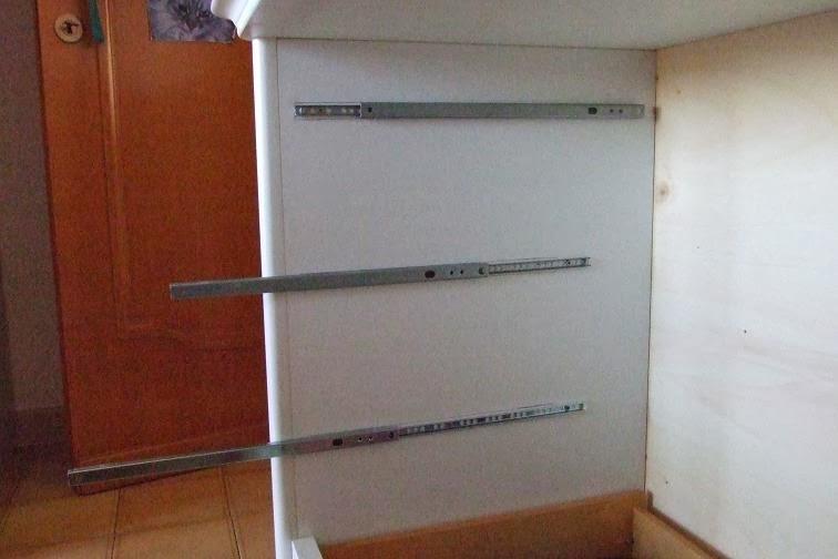 Tutorial sostituire le guide dei cassetti strane idee - Guide per cassetti ikea ...