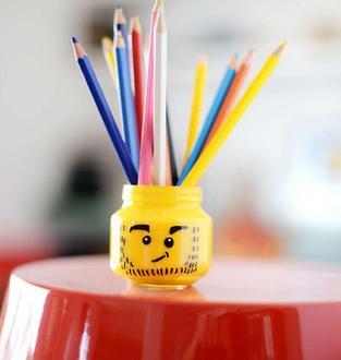 """Tutorial fai da te: come creare un barattolo portamatite """"Lego"""""""